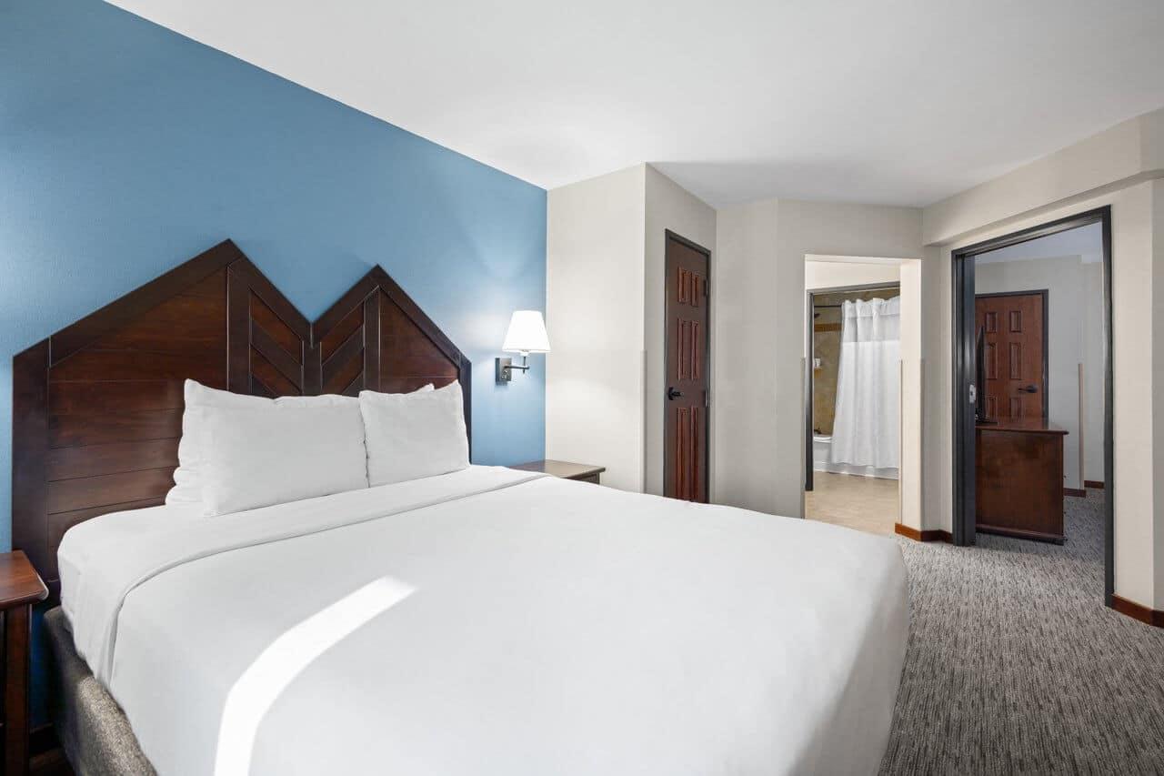 two-bedroom-corner-loft-accessible